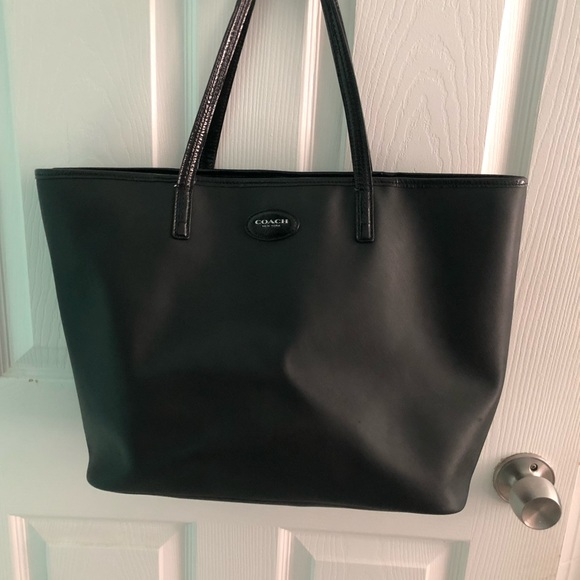 Coach Handbags - Large black coach tote bag! Guc ! f2f2c146477ea